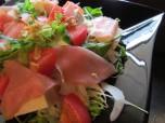生ハムと豆腐のサラダ